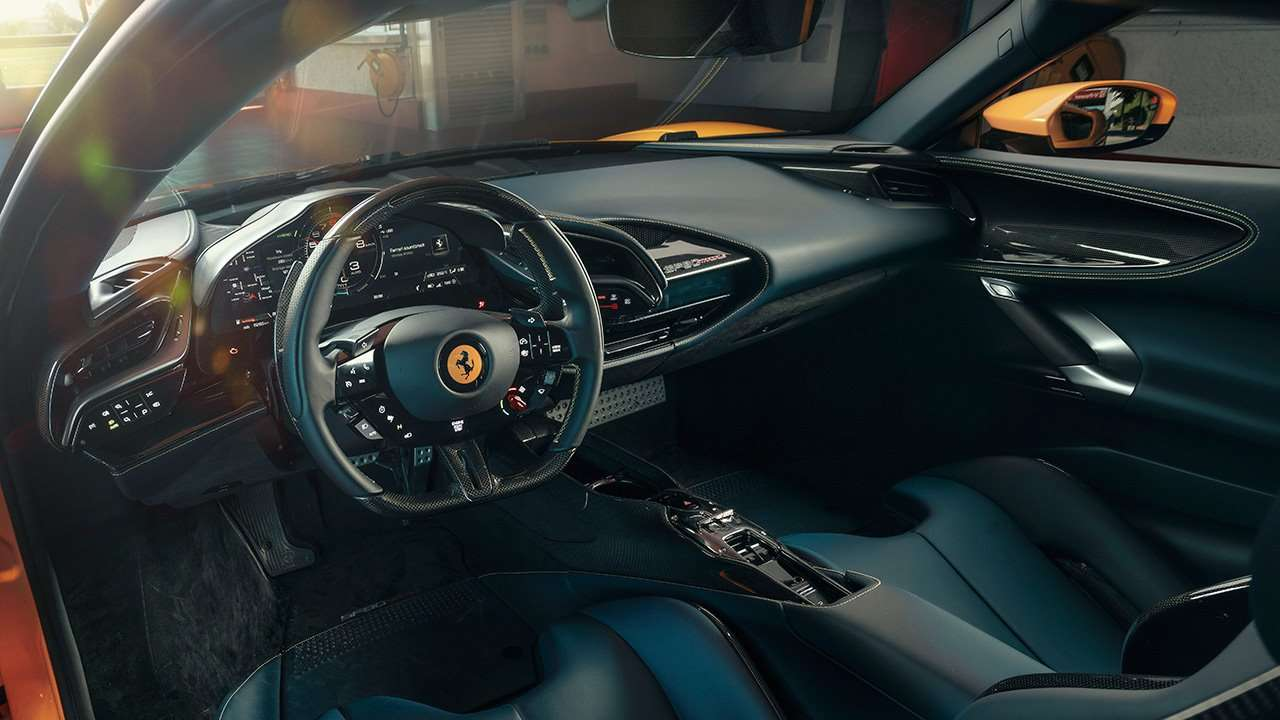 Фото салона Ferrari SF90 Stradale
