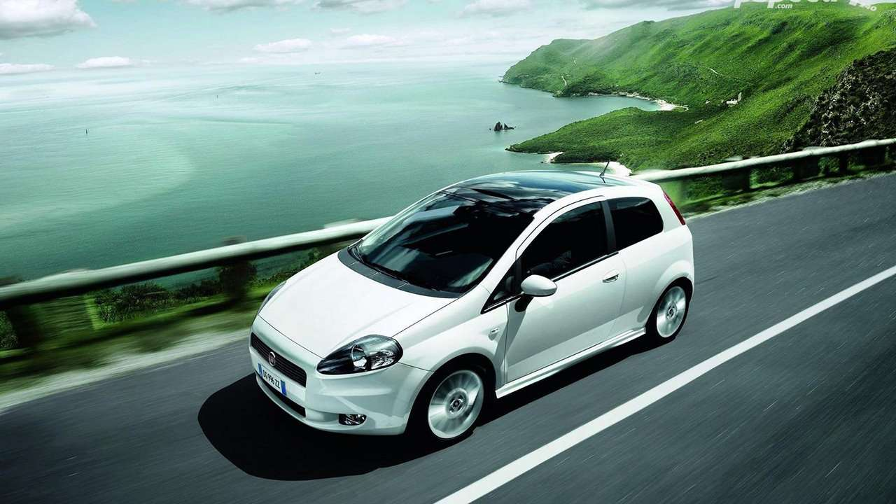 Fiat Punto фото в профиль