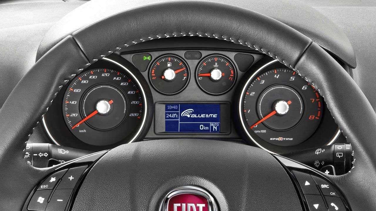 Панель приборов Fiat Пунто