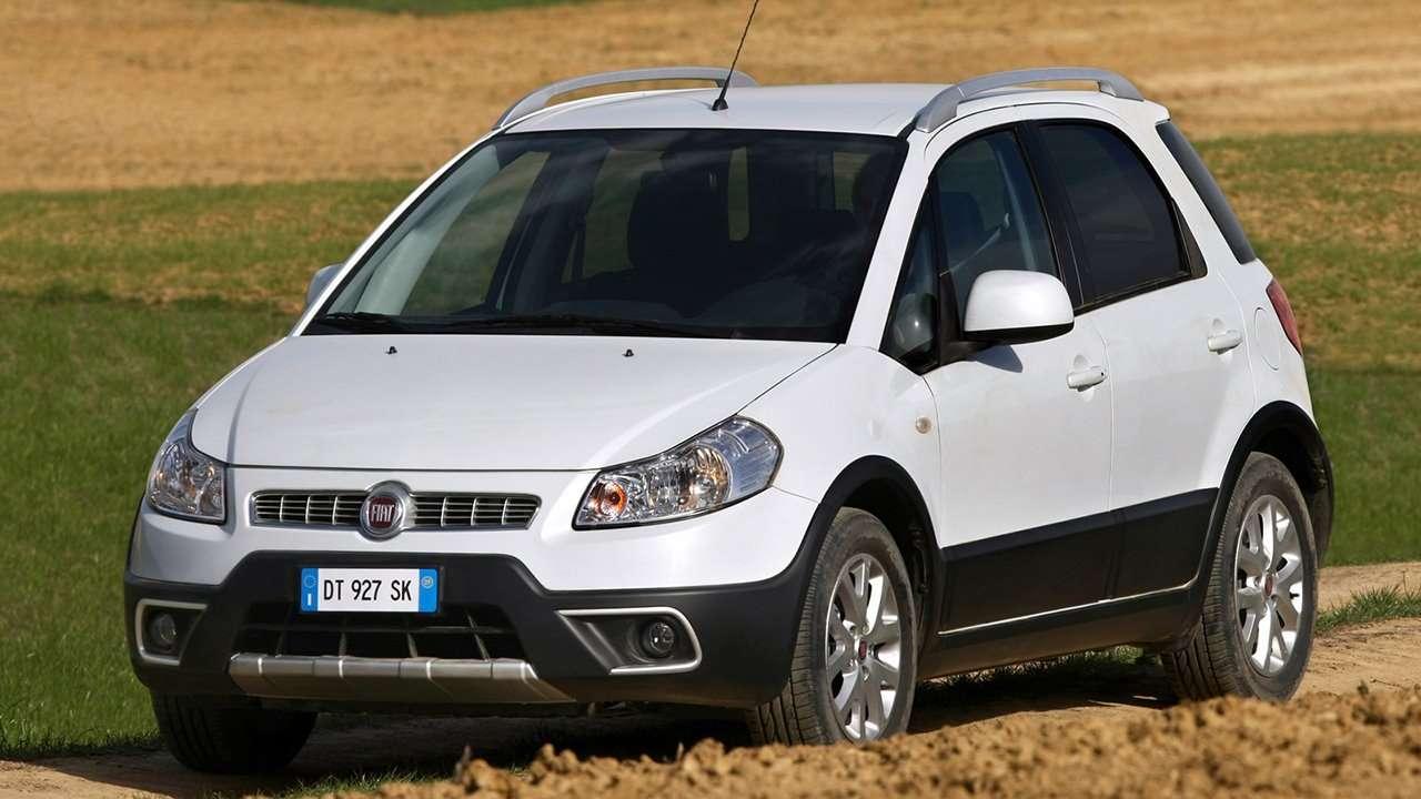 Fiat Sedici фото спереди