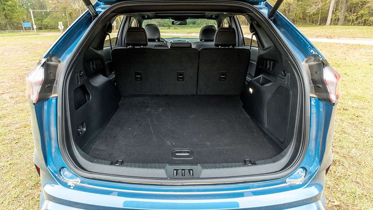 Фото багажника Ford Edge