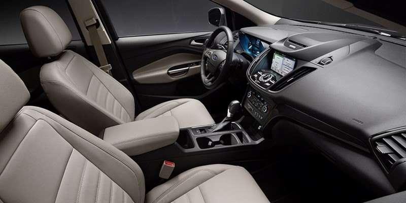 Передние сиденья Ford Escape