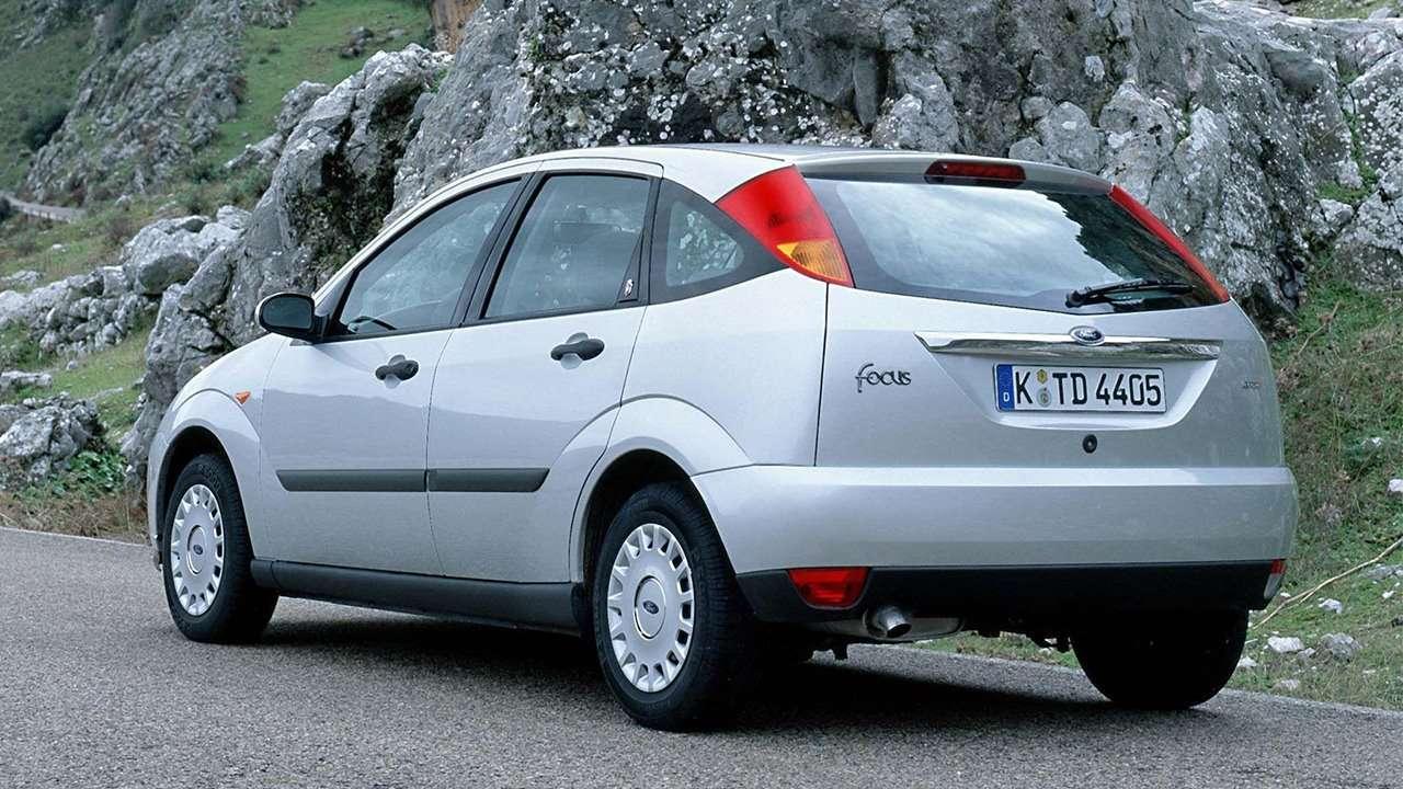 Задняя часть хэтчбека Focus 1998-2005