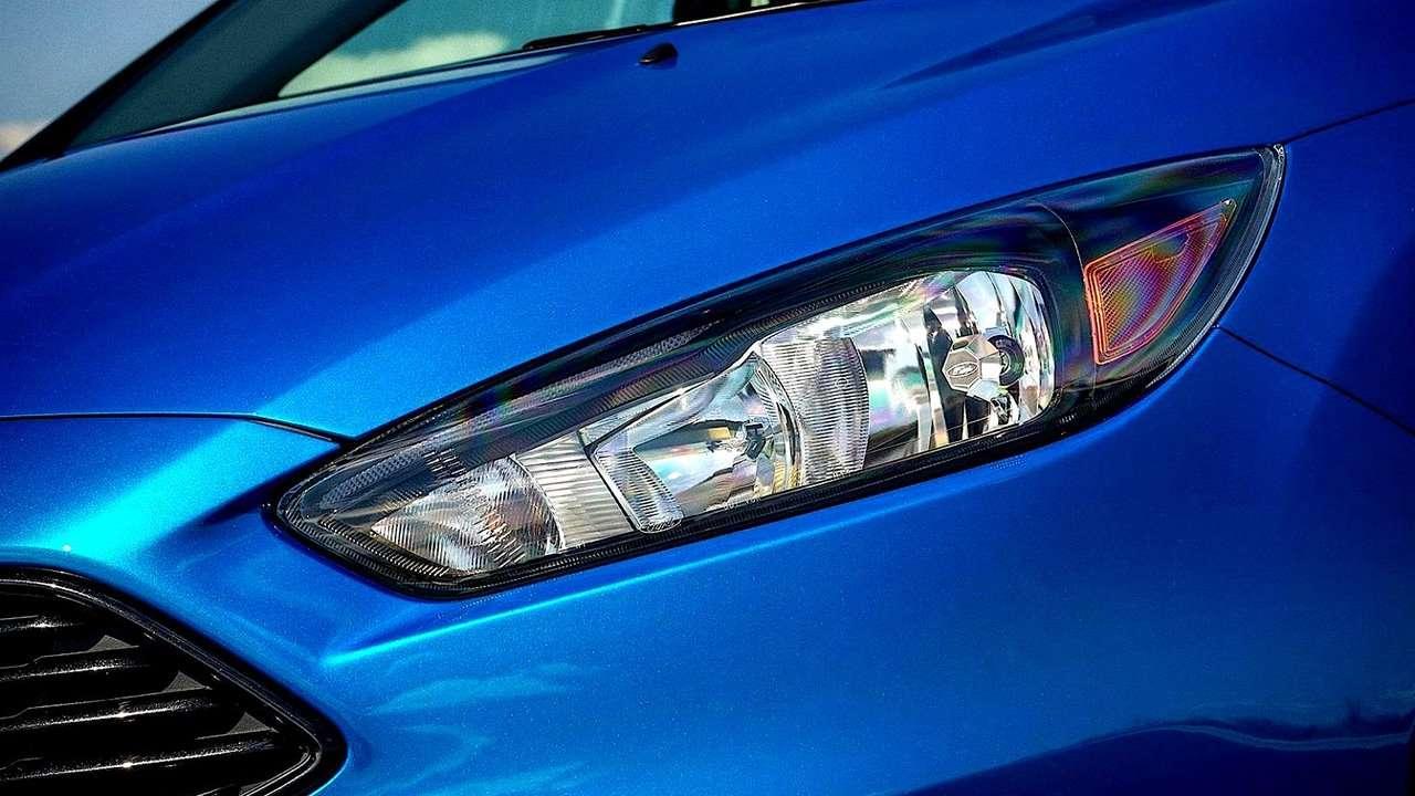 Ford Focus 3 (2011-2019) передняя фара