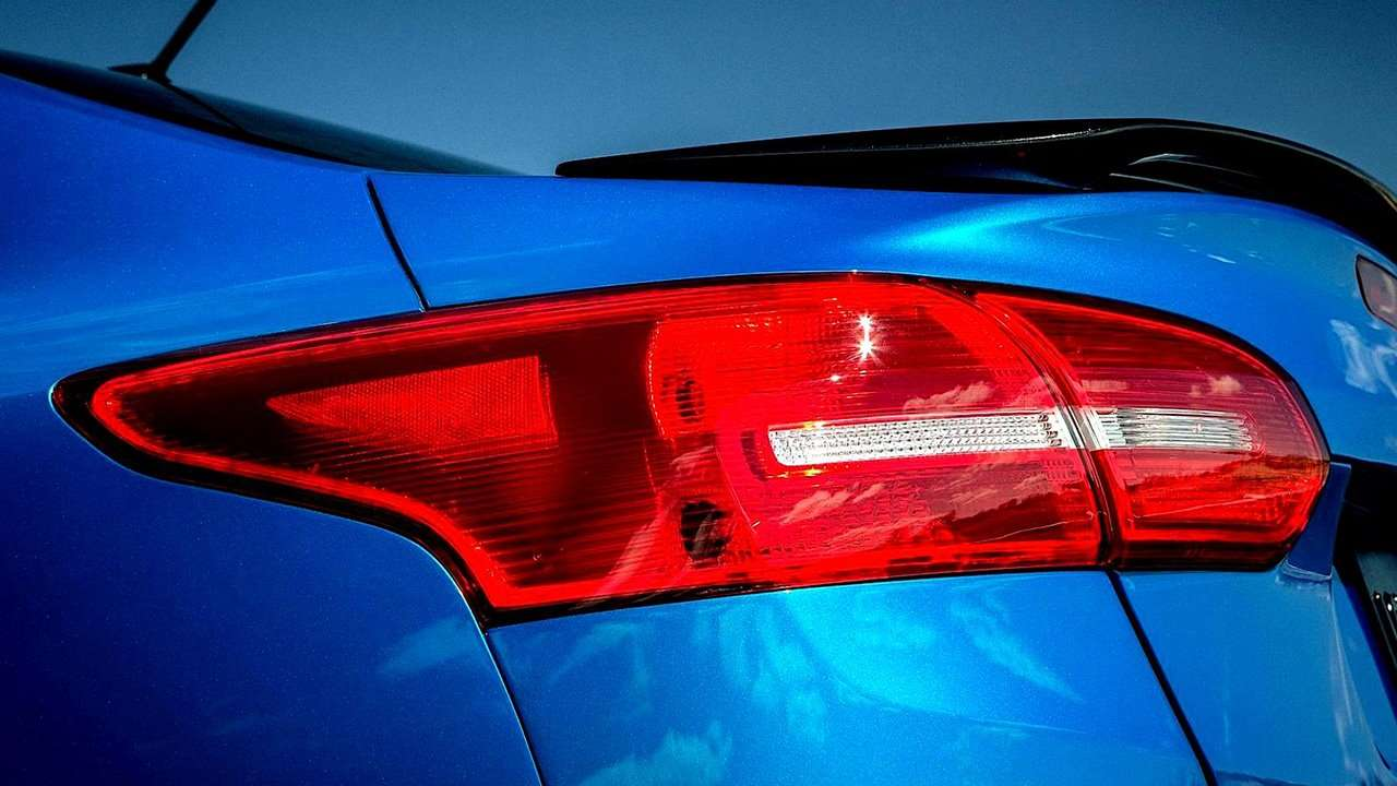 задние фонари Форд Фокус 3 (2011-2019)