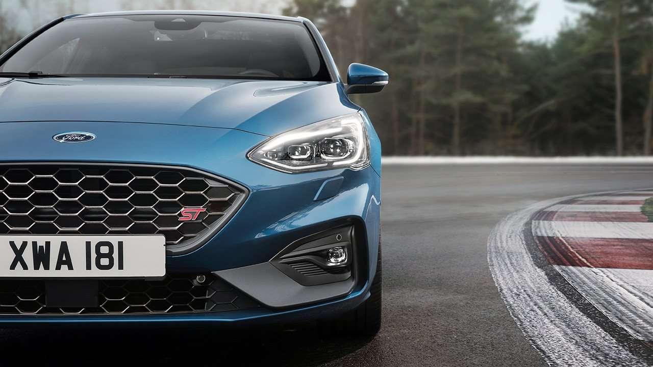 Синий Форд Фокус СТ 2019-2020