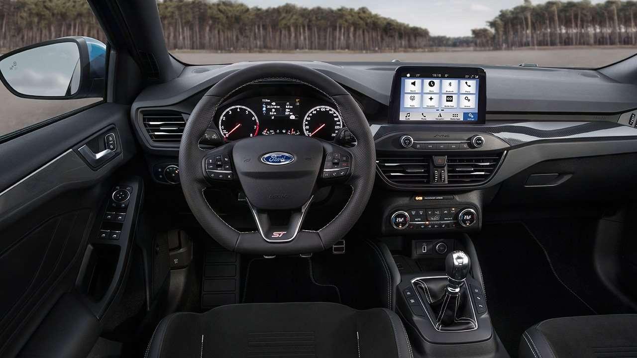 Салон нового Ford Focus ST