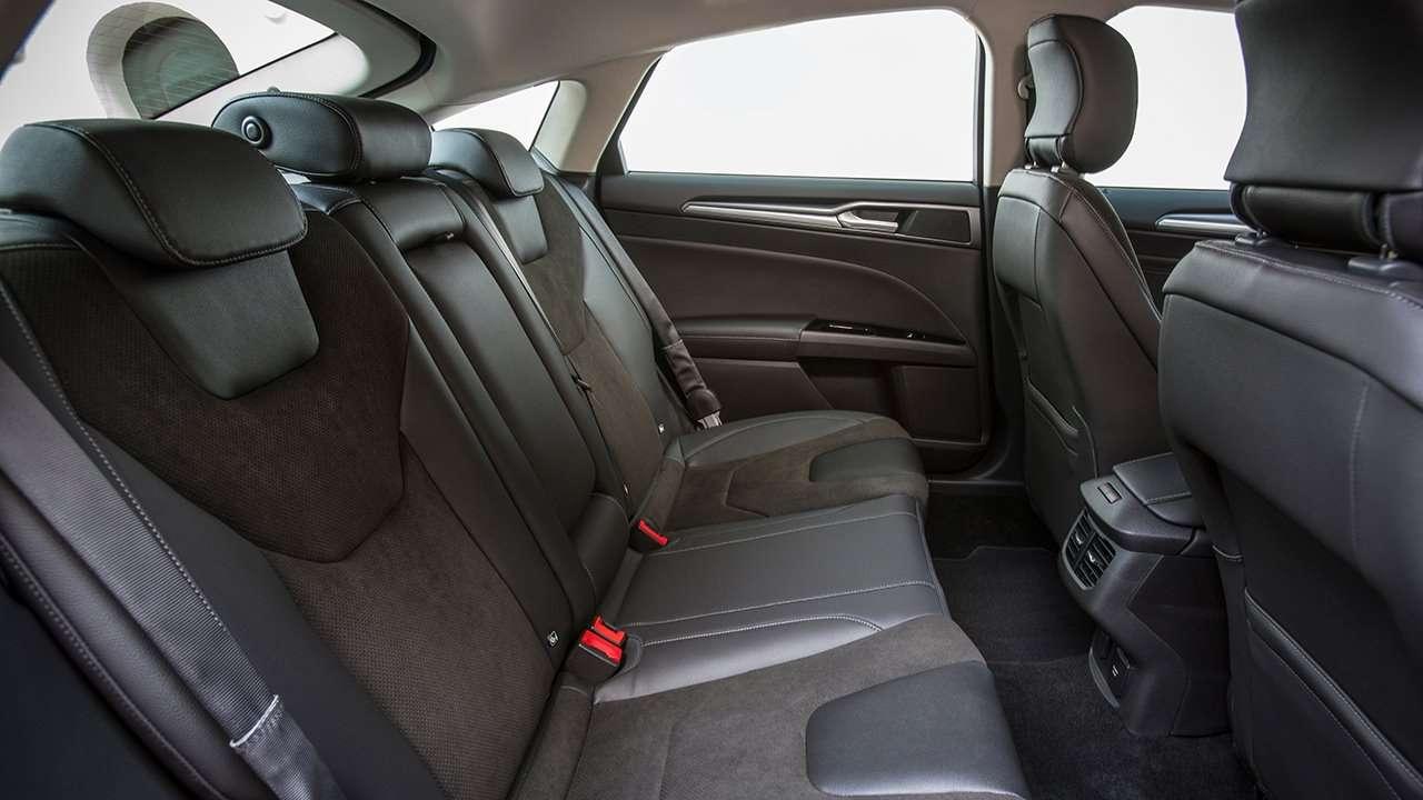 передние сиденья Форд Мондео 2019-2020