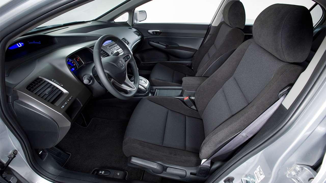 Передние сиденья Civic 8