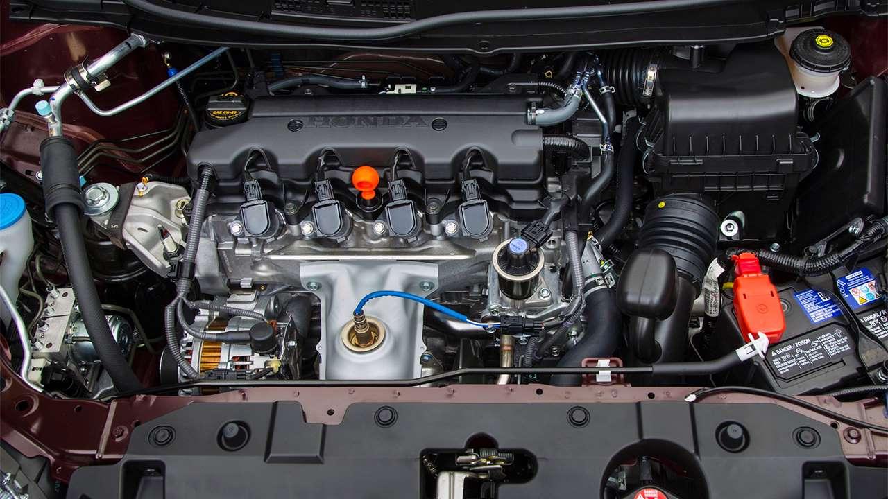Подкапотное пространство девятой Honda Civic