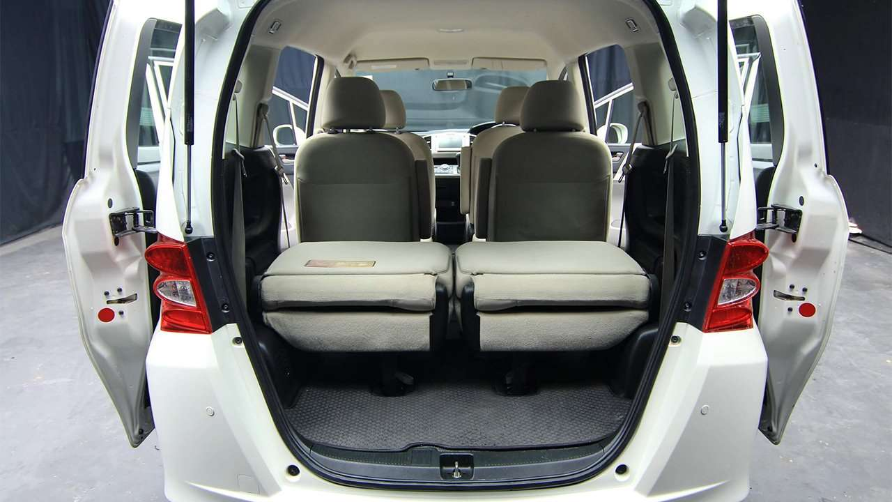 Фото багажника Honda Freed 2008-2016