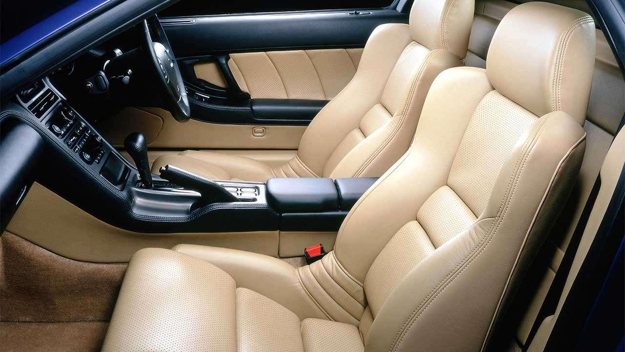 Передние сиденья Honda NSX