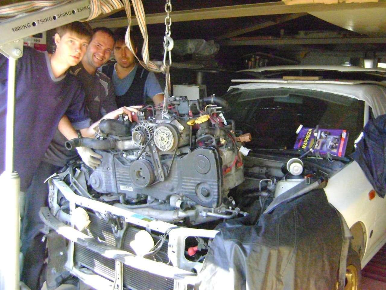 Как снять двигатель автомобиля?