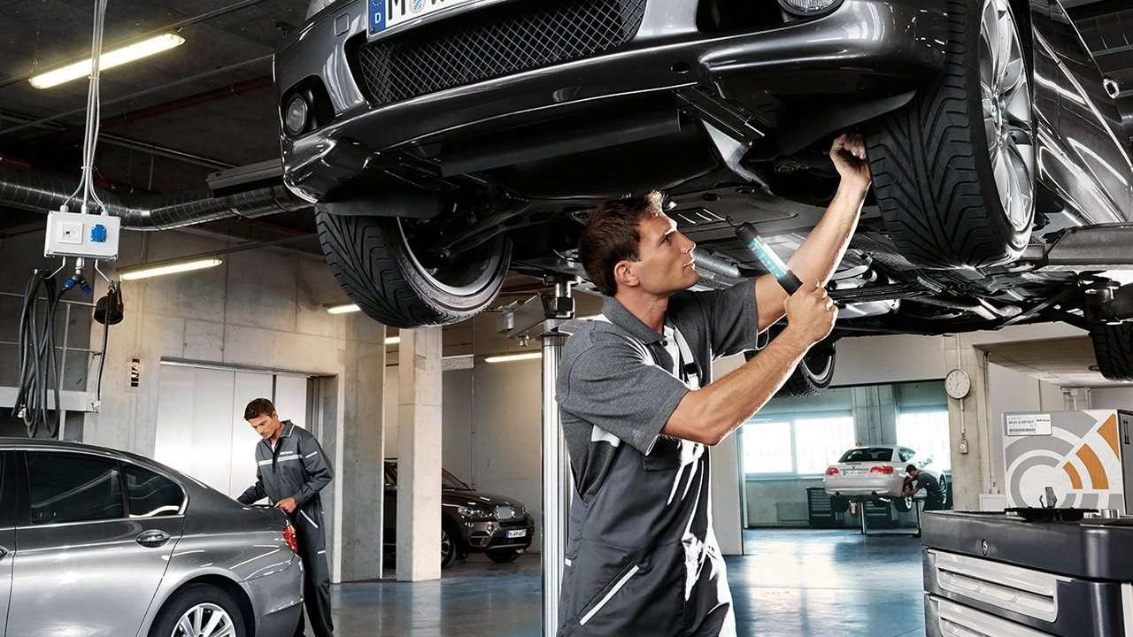 Как демонтировать старый двигатель автомобиля?