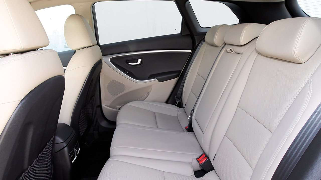 Hyundai i30 GD задний ряд