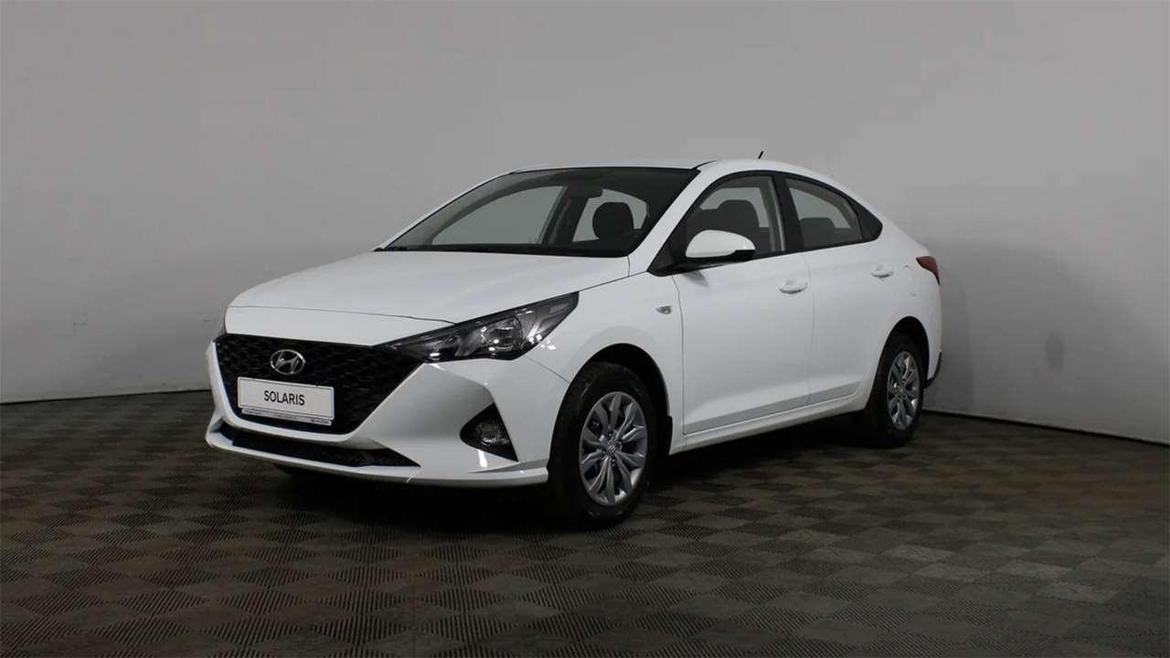 Белый Hyundai Solaris 2020