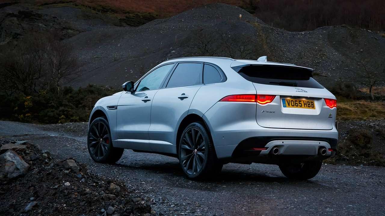 Jaguar F-Pace 2020-2021 фото сбоку