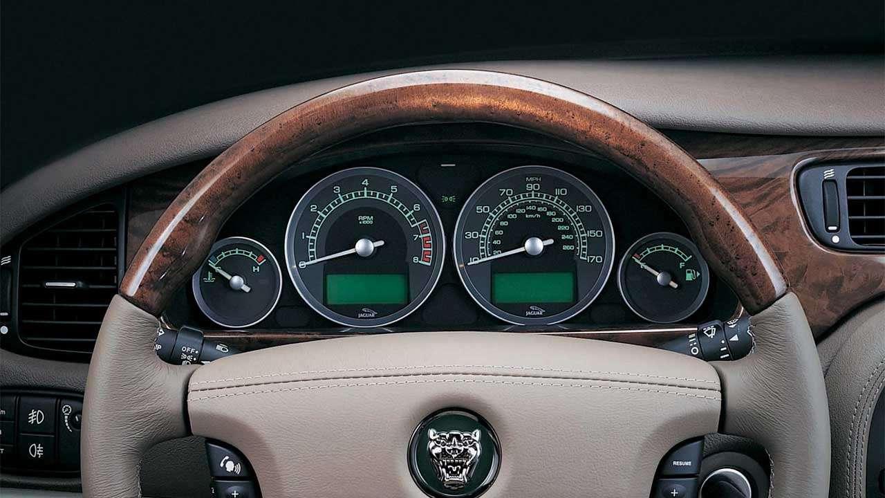 Панель приборов Jaguar S-Type