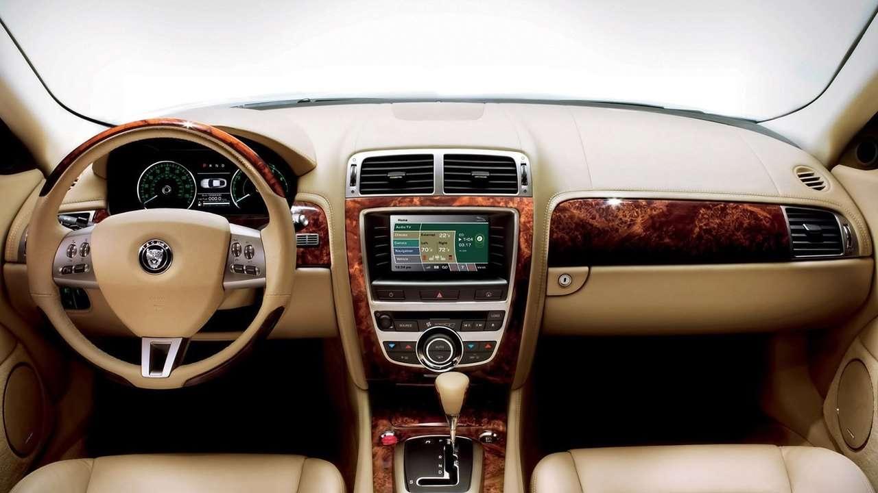салон Jaguar XK