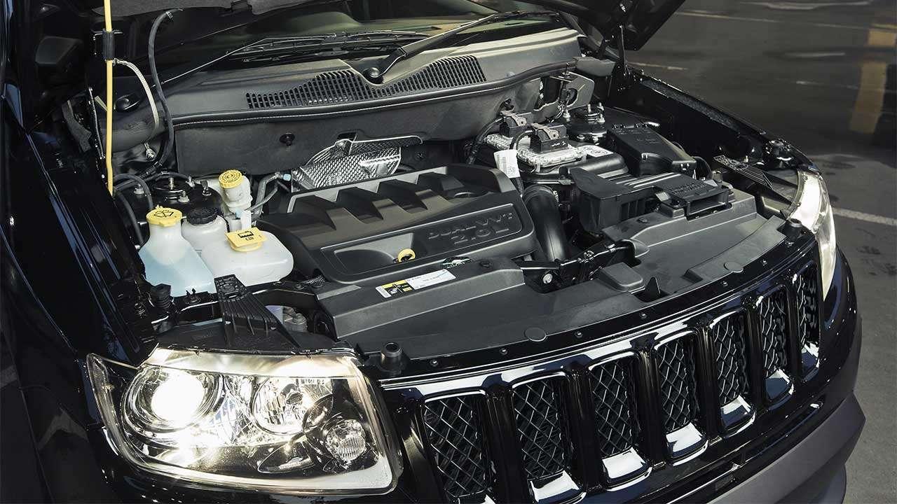 Фото двигателя Jeep Compass