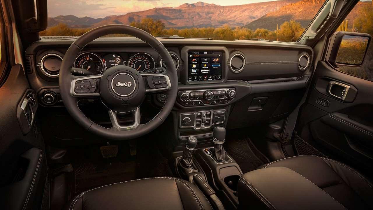 Салон нового Jeep Wrangler JL