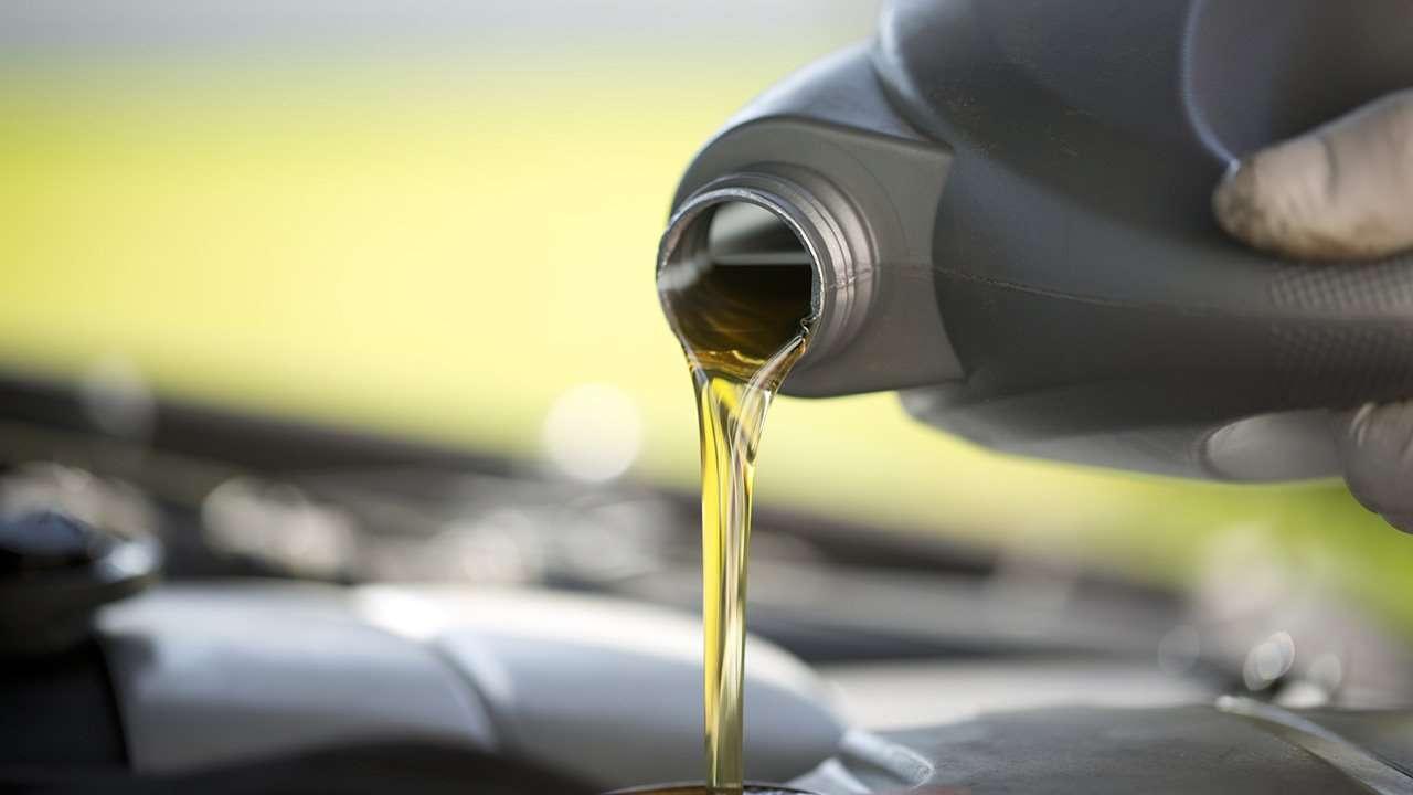 Периодичность замены масла в двигателе автомобиля