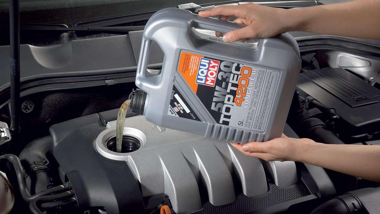 Заливание масла в мотор