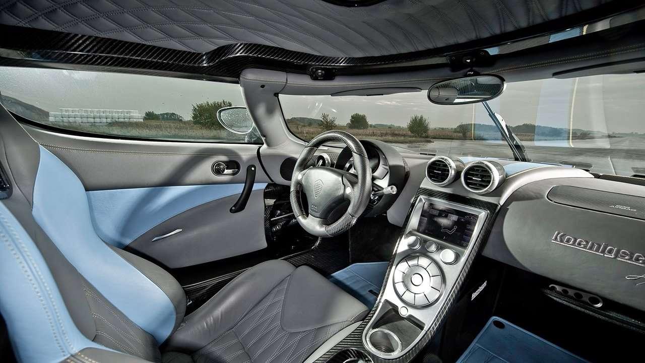 Koenigsegg Agera салон