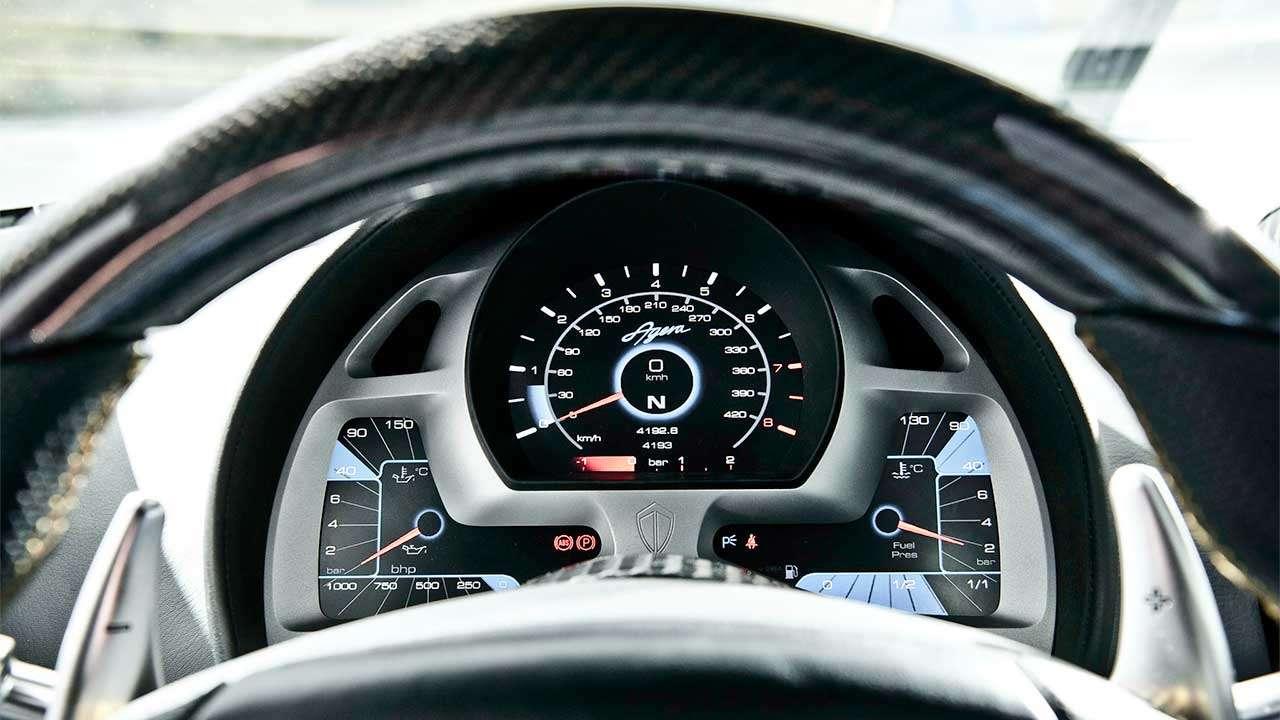 Приборная панель Koenigsegg Agera