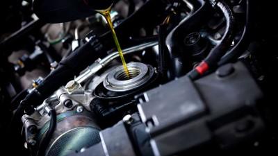 Почему двигатель жрет масло