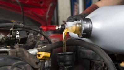 Какое масло заливать в коробку передач