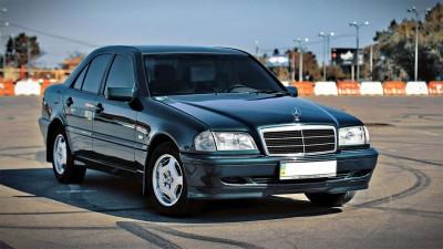 Mercedes-Benz C-Class W202