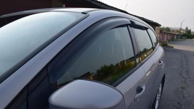 Установка дефлекторов на окна автомобиля