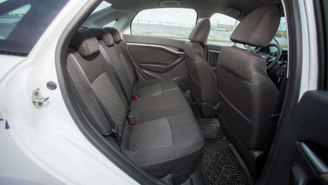Задние сиденья Lada Веста