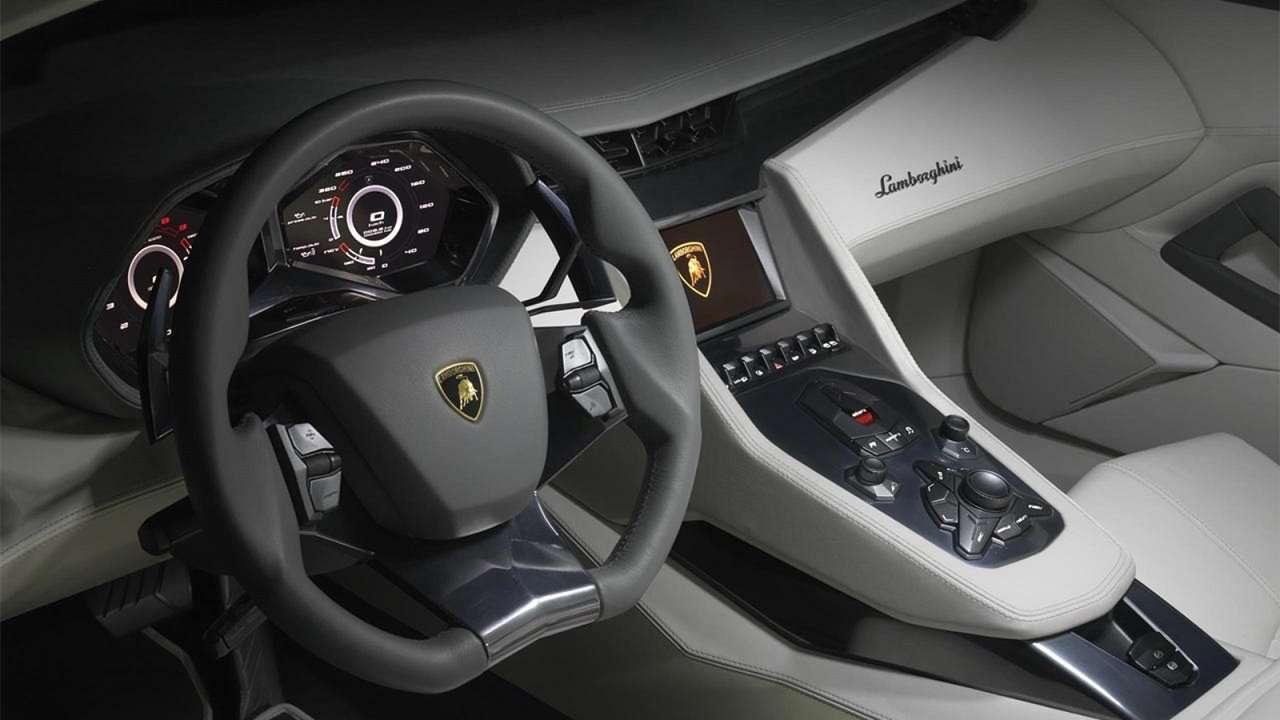 Фото салона Lamborghini Estoque