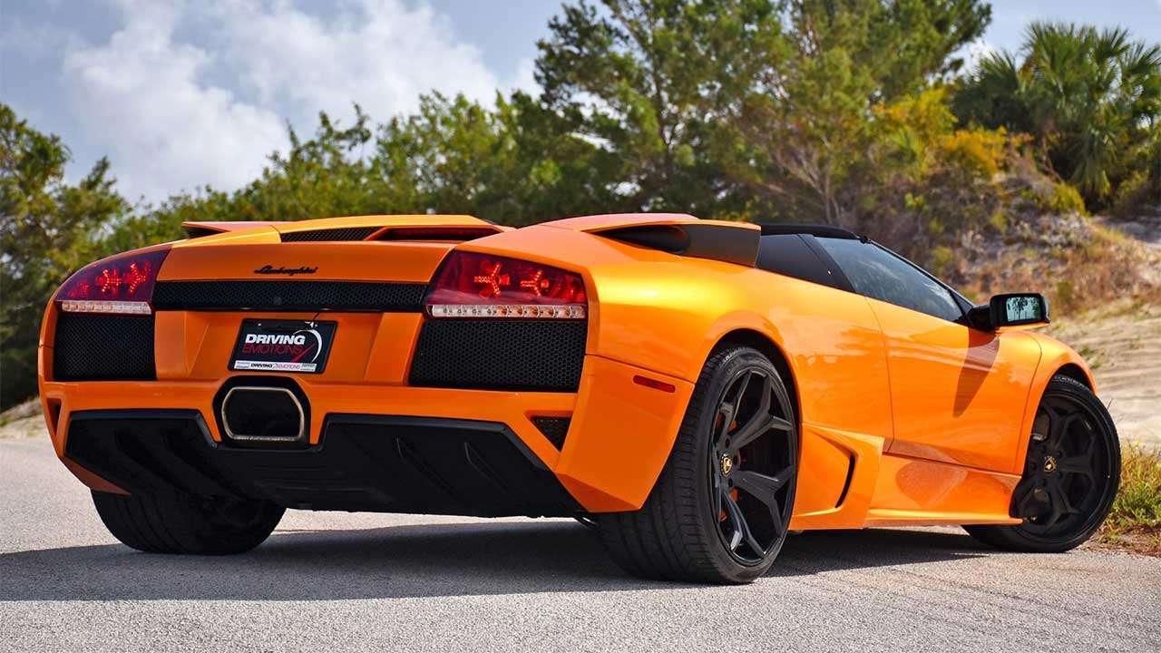 Lamborghini Murcielago LP640 фото сзади