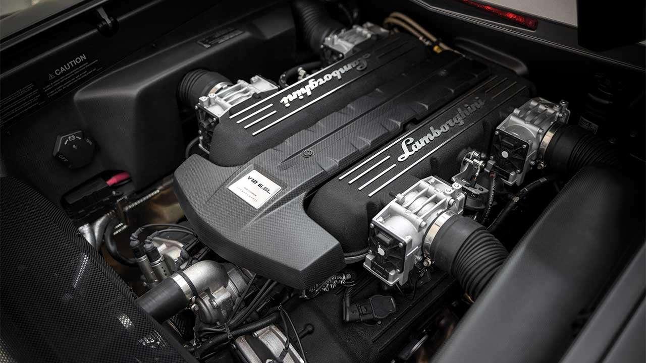 Фото двигателя Ламборджини Ревентон