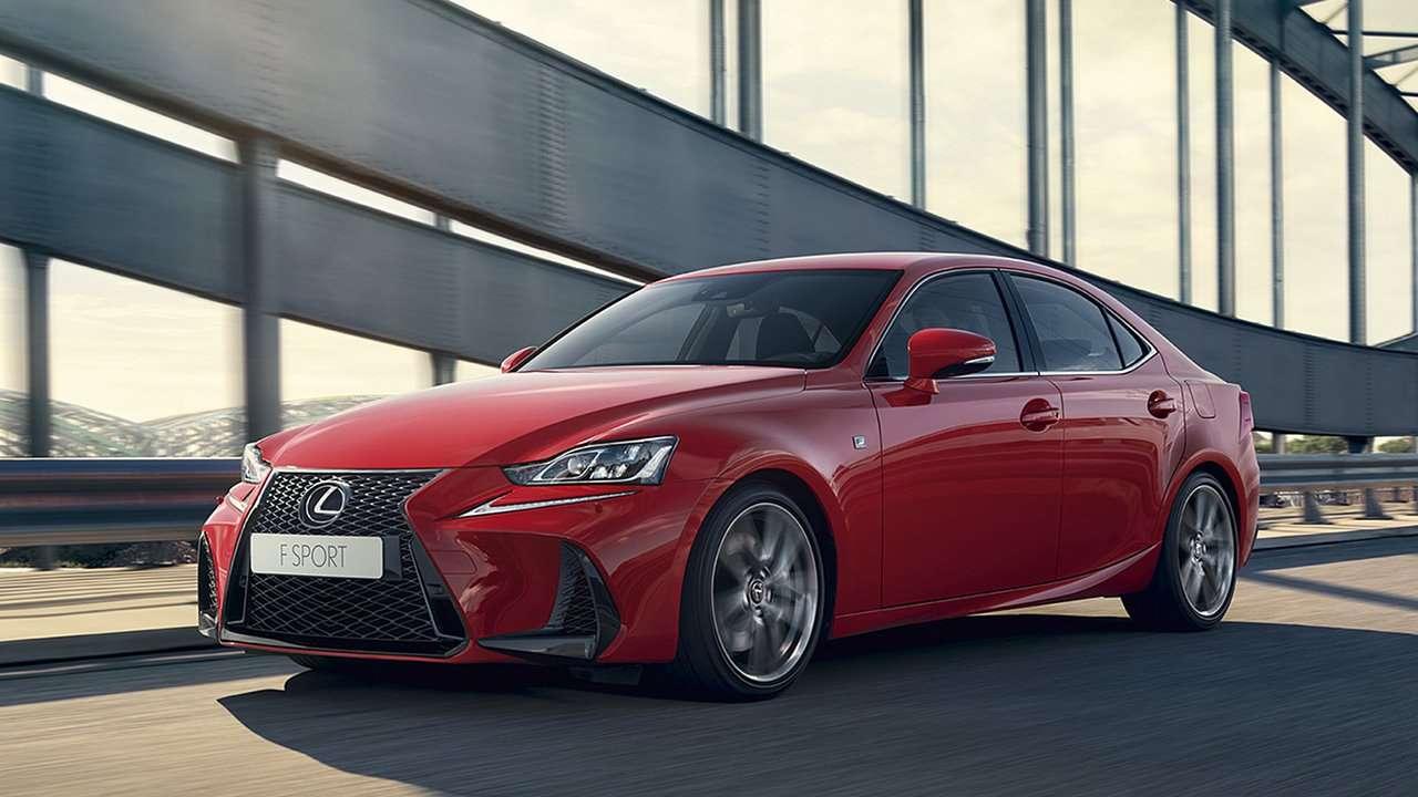 Красный Lexus IS 2020-2021