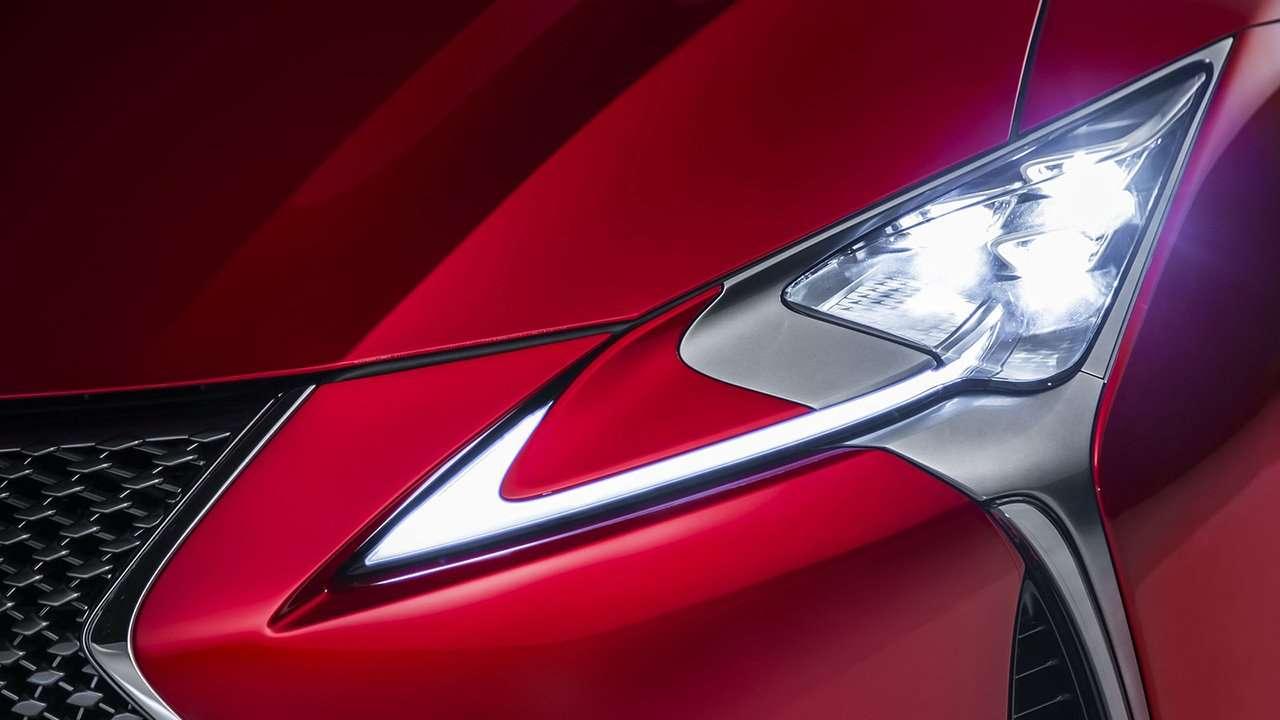 Lexus LC 500 2020-2021 фото передней фары