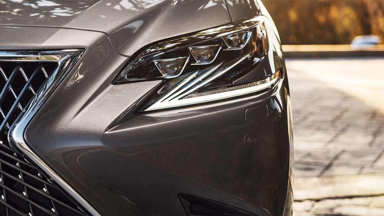 Светодиодная фара нового Lexus LS