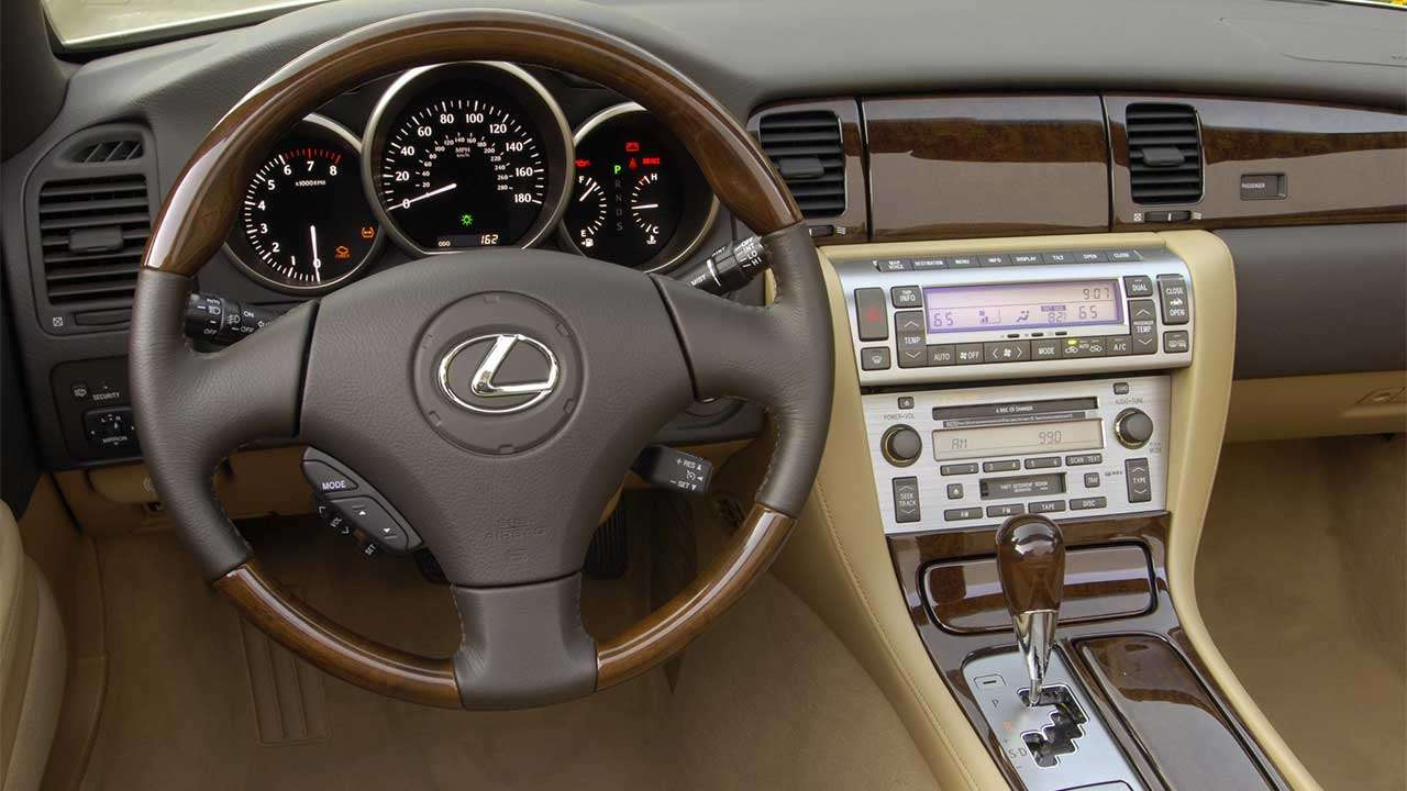 Lexus SC430 салон