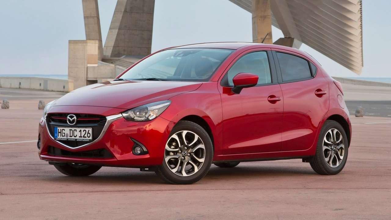 Mazda 2 2017-2018 фото спереди