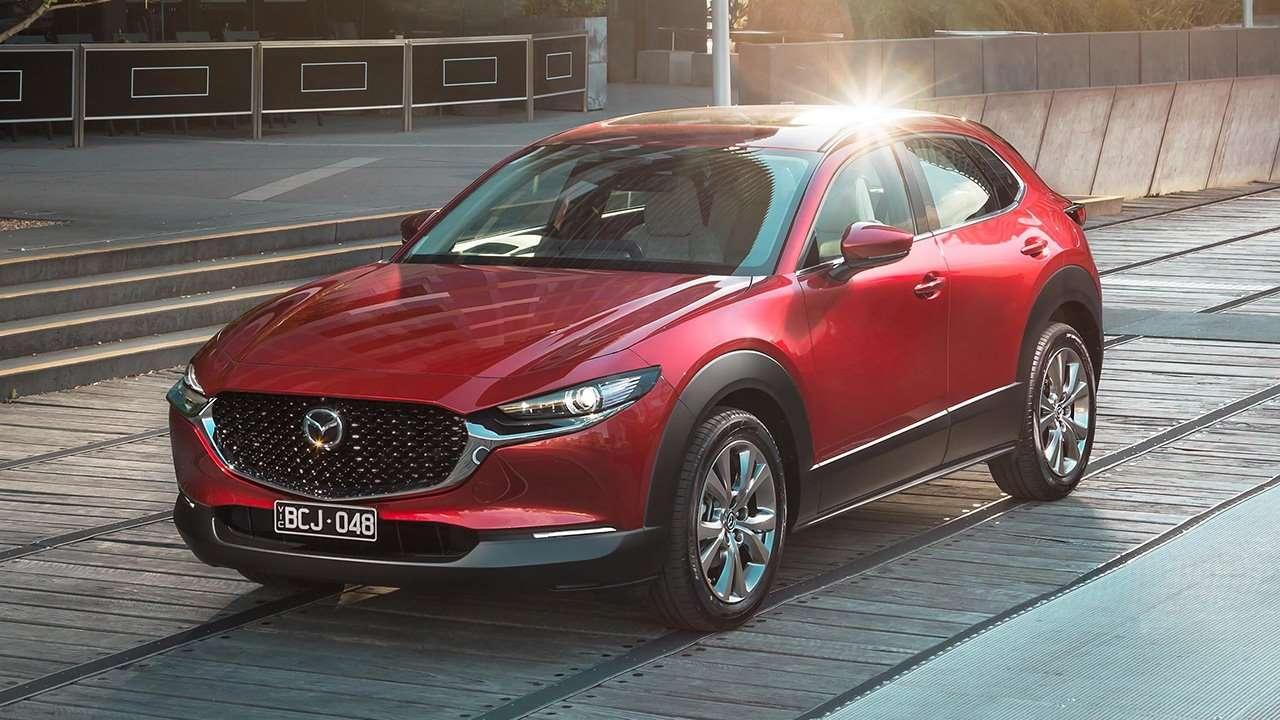 Mazda CX-30 2020-2021 фото спереди