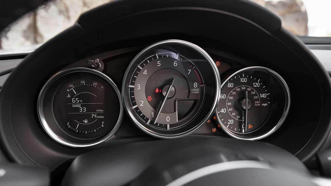 Приборная панель Mazda MX-5 2020-2021