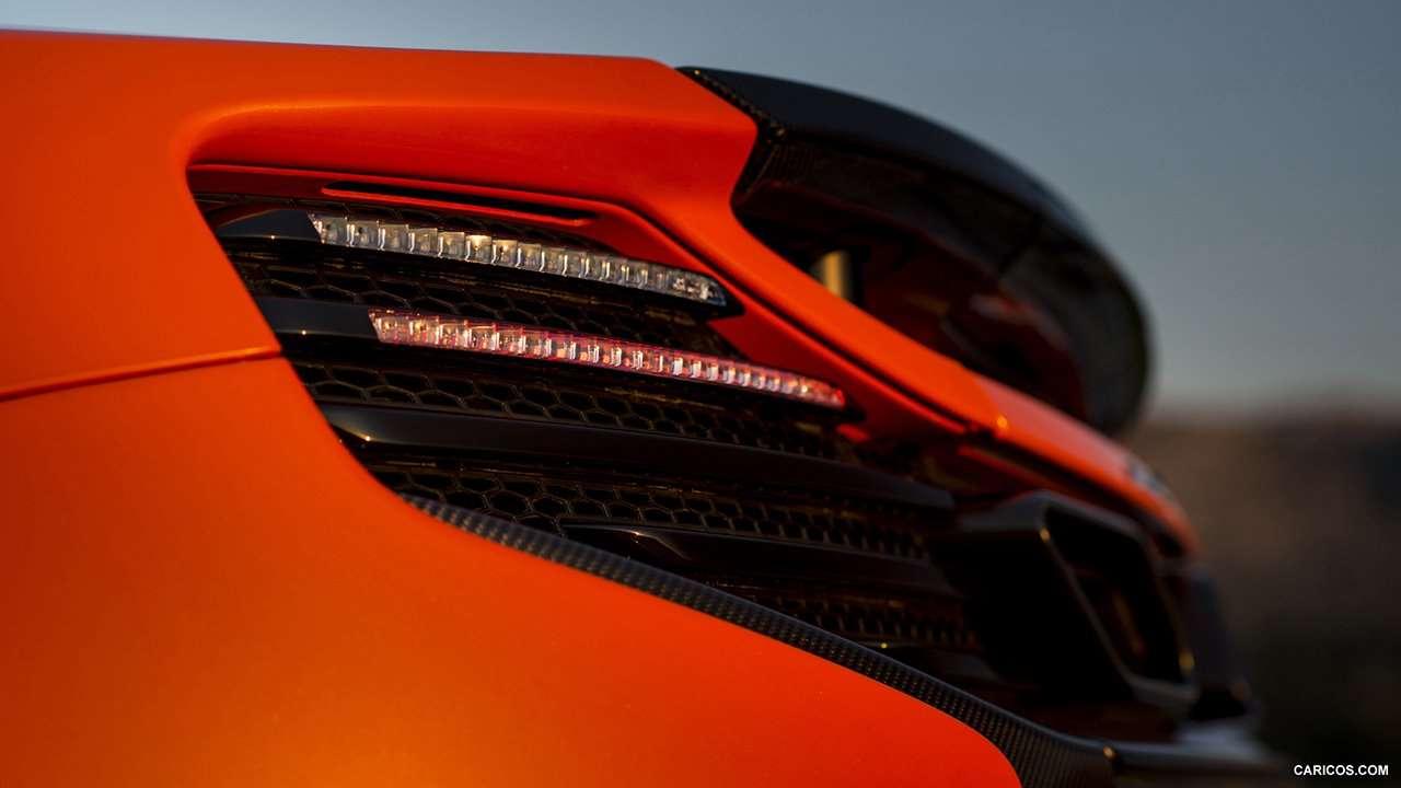 задние фары McLaren 650S