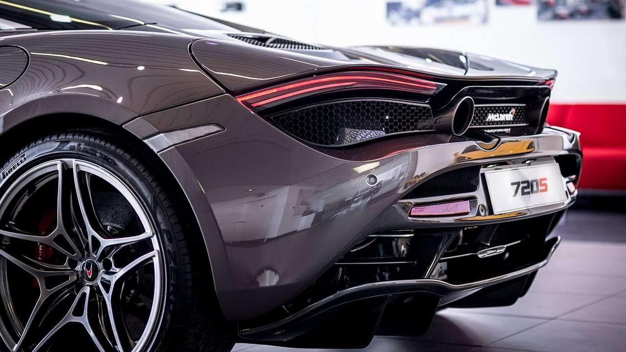 Задняя часть McLaren 720S 2020-2021