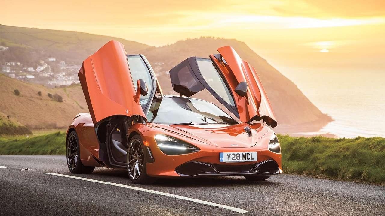 McLaren 720S 2020-2021 с открытыми дверьми