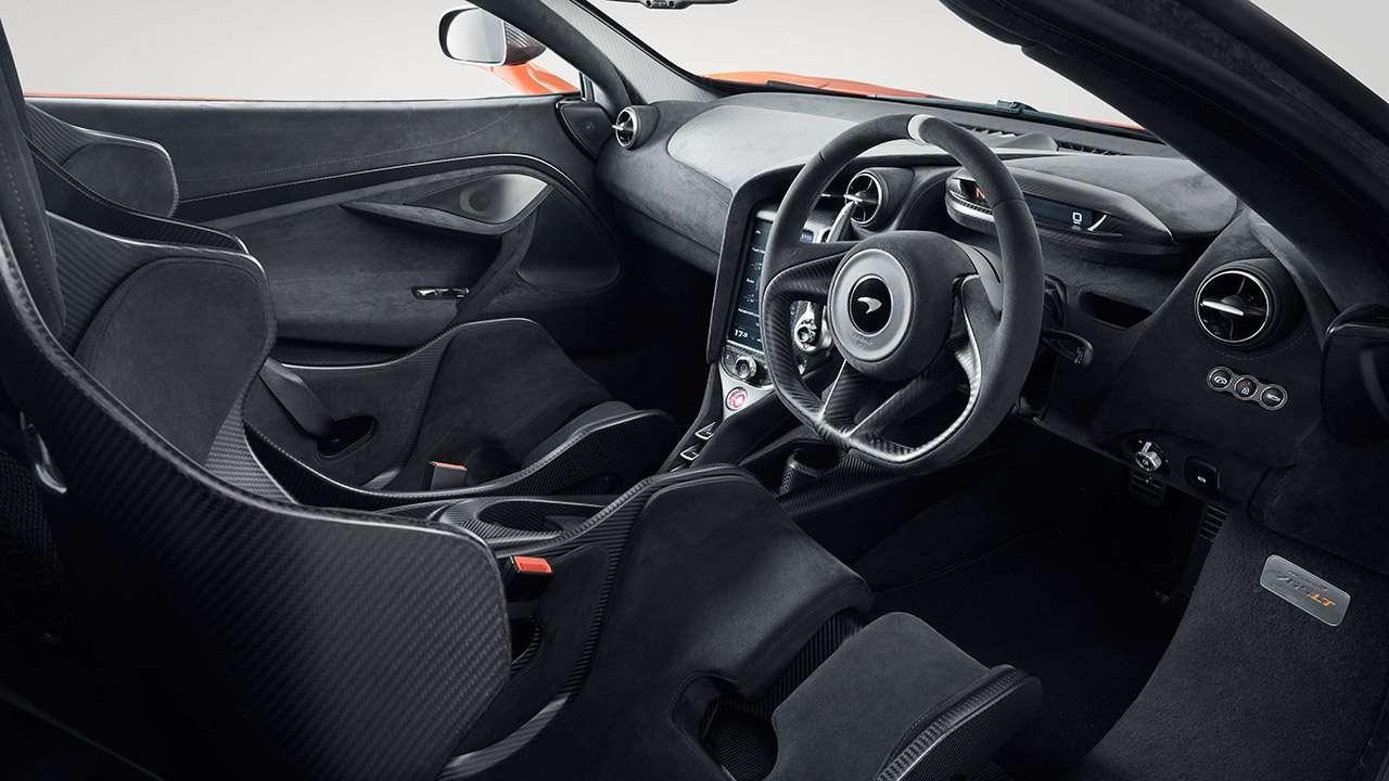Салон McLaren 765LT