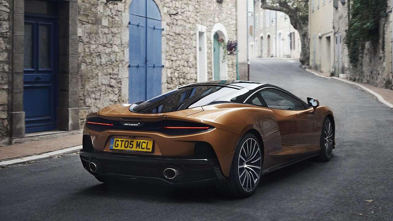 Корма купе McLaren GT