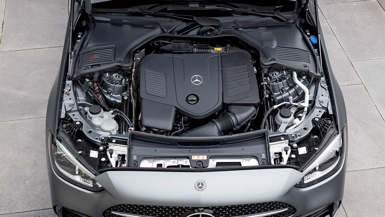 Фото двигателя Mercedes C300